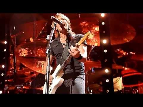Keith Urban & Larry Crane - Authority Song (John Cougar Mellancamp cover) Noblesville Light the Fuse