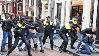 12/13 Chelsea FC - SL Benfica in Amsterdam Chelsea hooligans charge Benfica fans