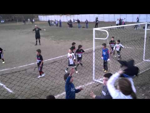 Arsenal de Zarate vs Defensores de Esperanza Campana (cat 2005 - fragmento)
