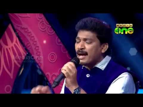 Pathinalam Ravu Season3 Guest Adil Athu Singing 'Mizhikal nanayunn Allah..' (Epi83 Part4)