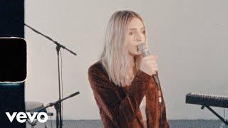 Смотреть клип Katelyn Tarver - Never Fade