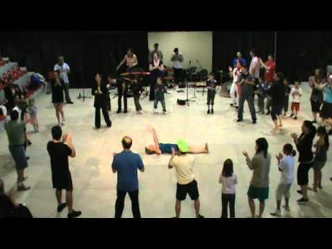 Pat N Juba dance class in Saint Gervais D'auvergne