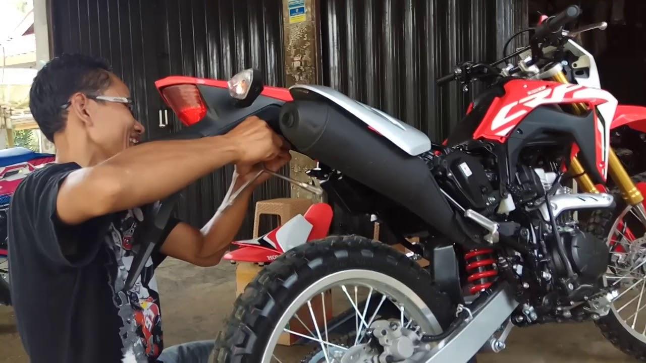 tutorial bongkar pasang body honda crf 150 l [ 1280 x 720 Pixel ]