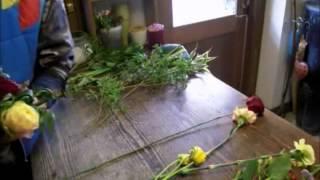 Роскошный букет из живых цветов своими руками (розы, герберы, полевые цветы).