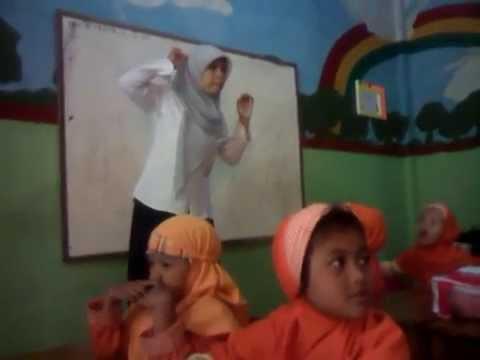 pengajaran bahasa daerah - sunda - untuk TK