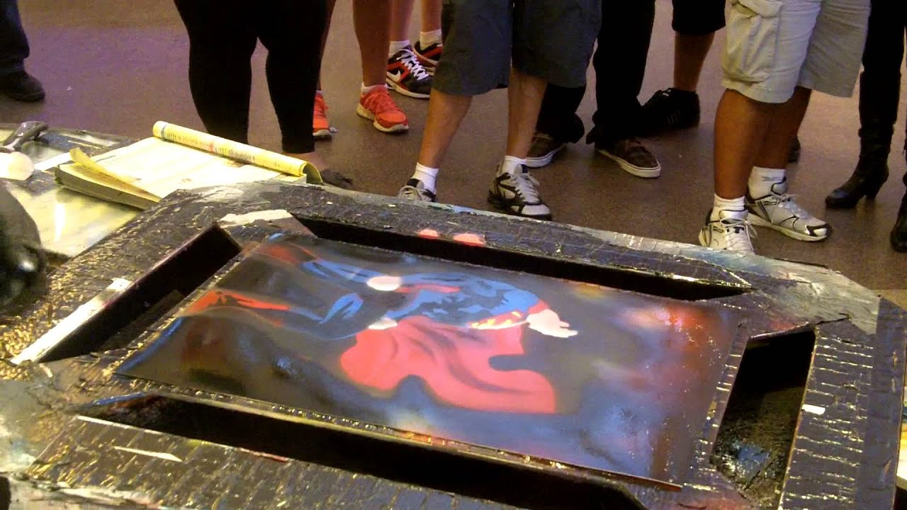 spray paint superman - YouTube