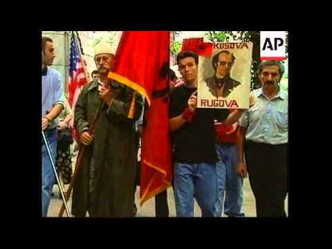 USA: NEW YORK: ALBANIAN KOSOVARS STAGE DEMONSTRATION