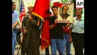 USA: NEW YORK: ALBANIAN KOSOVARS STAGE DEMONSTRATION