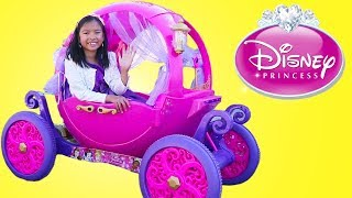 Princess Carriage Ride Pretend Play with Wendy