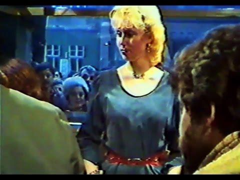 "Lepa Brena - Potpisivanje ploce ""Bato, Bato"" - (1984)"