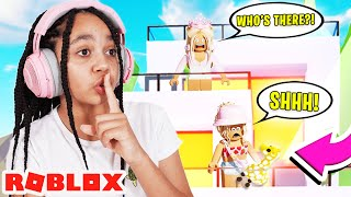 SNEAKING Into the Biggest SCAMMERS Mansion In Adopt Me! Roblox