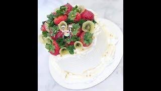 """How To Decorate an 6"""" Round Fruit Cake"""