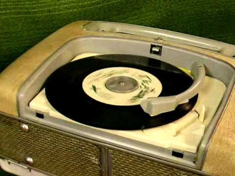 metz radio mit plattenspieler vintage youtube. Black Bedroom Furniture Sets. Home Design Ideas