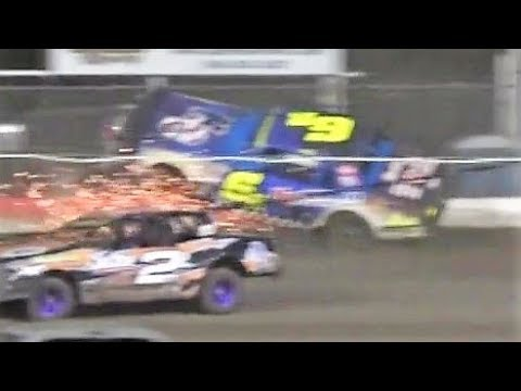 05/04/2018 Beatrice Speedway Hobby Stock Feature; 24T takes 6R over the wall!