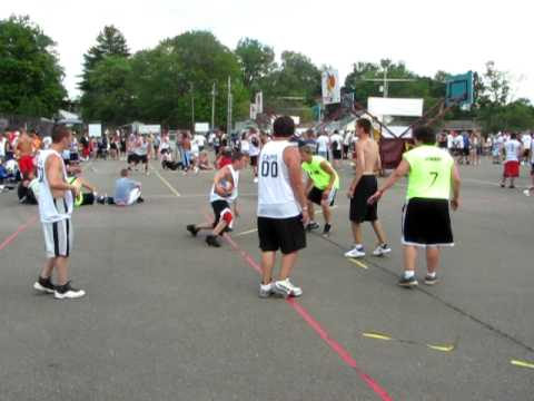 Gus macker Cambridge,Oh,2010.Block of the mamba