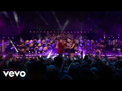 Hailee Steinfeld, Shawn Hook - Sound Of Your Heart / Rock Bottom (Live From The MMVAs)