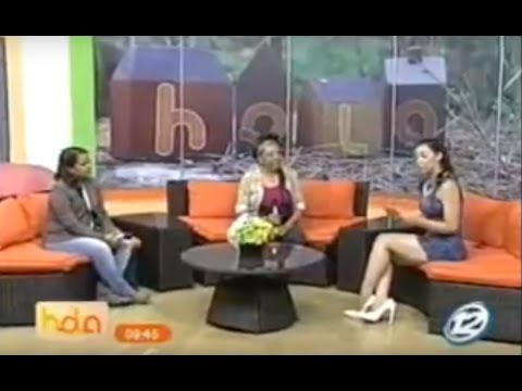 Alejandra Burgos y América Romualdo en Hola El Salvador