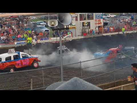 Steele County Fair Owatonna, MN Mighty-mini weld-class demo derby Aug.20th, 2017