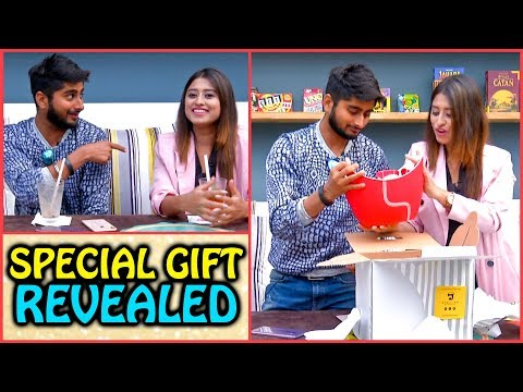 Deepak Thakur & Somi Khan Unveil A Special Gift On A Romantic Date