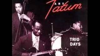 Art Tatum Trio plays Moonglow (1944)