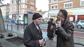 British Man Converts to Islam - Street Dawah (Live)