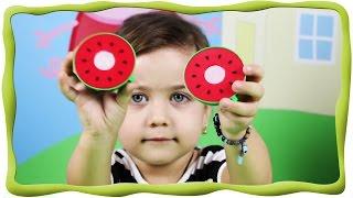 Английский для детей, фрукты на английском, учим фрукты, обучающее видео(Эмилюша обожает играть игрушечными фруктами и мы решили совместить игру с уроком английского для малышей!..., 2015-11-18T10:15:02.000Z)