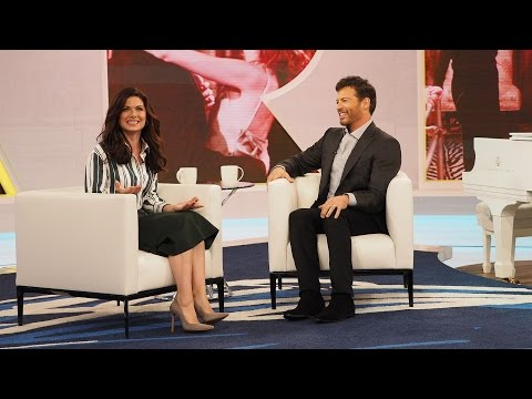 """Debra Messing's PSA For America To Forgive Harry's """"Will & Grace"""" Character"""