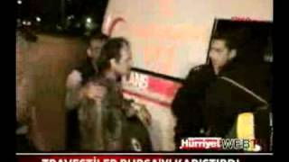 Bursalı Travestiler'den Sarkıntılık Yapan Garsona Travesti Bursa Meydan Dayağı -Türk Gay Club