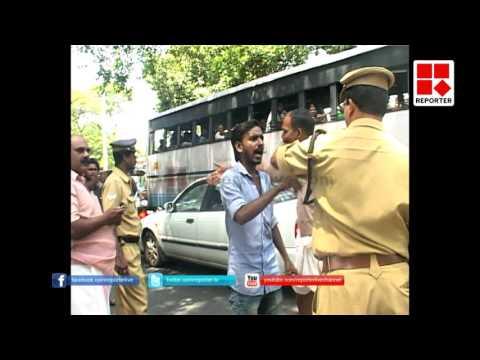 SFI Attack On Police in Kollam