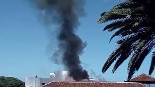 Sofocado el aparatoso incendio en un hotel en Garachico (Tenerife)