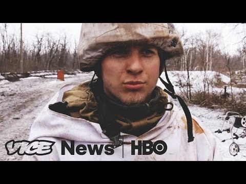 Civilians Fleeing East Ukraine Town of Avdiivka As Fighting Escalates (HBO)
