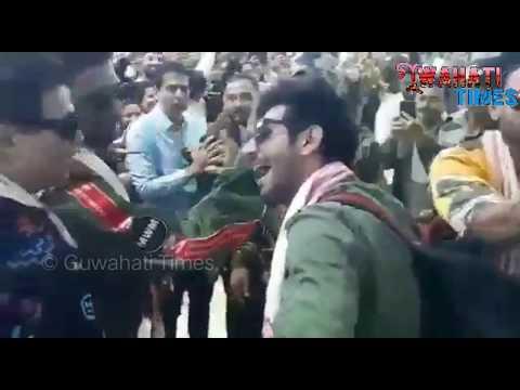 B'wood Celebrities Ranveer, Karan Johar, Varun Dhawan & others reached Guwahati Airport