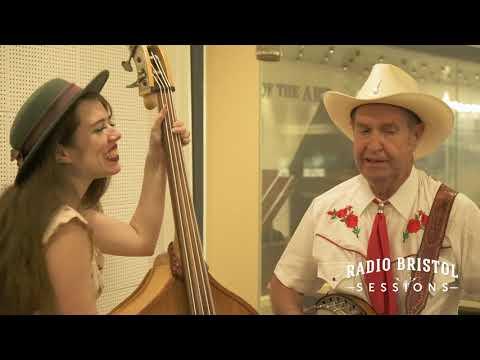 "Larry Sigmon and Martha Spencer  - ""Seven Cent Cotton"" - Radio Bristol Session"