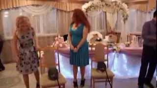 Тамада на свадьбе, приколы тамады и гостей!(Смотрите нарезку приколов гостей на свадьбе. Курьезные моменты тамады собраны здесь., 2013-10-30T07:02:45.000Z)