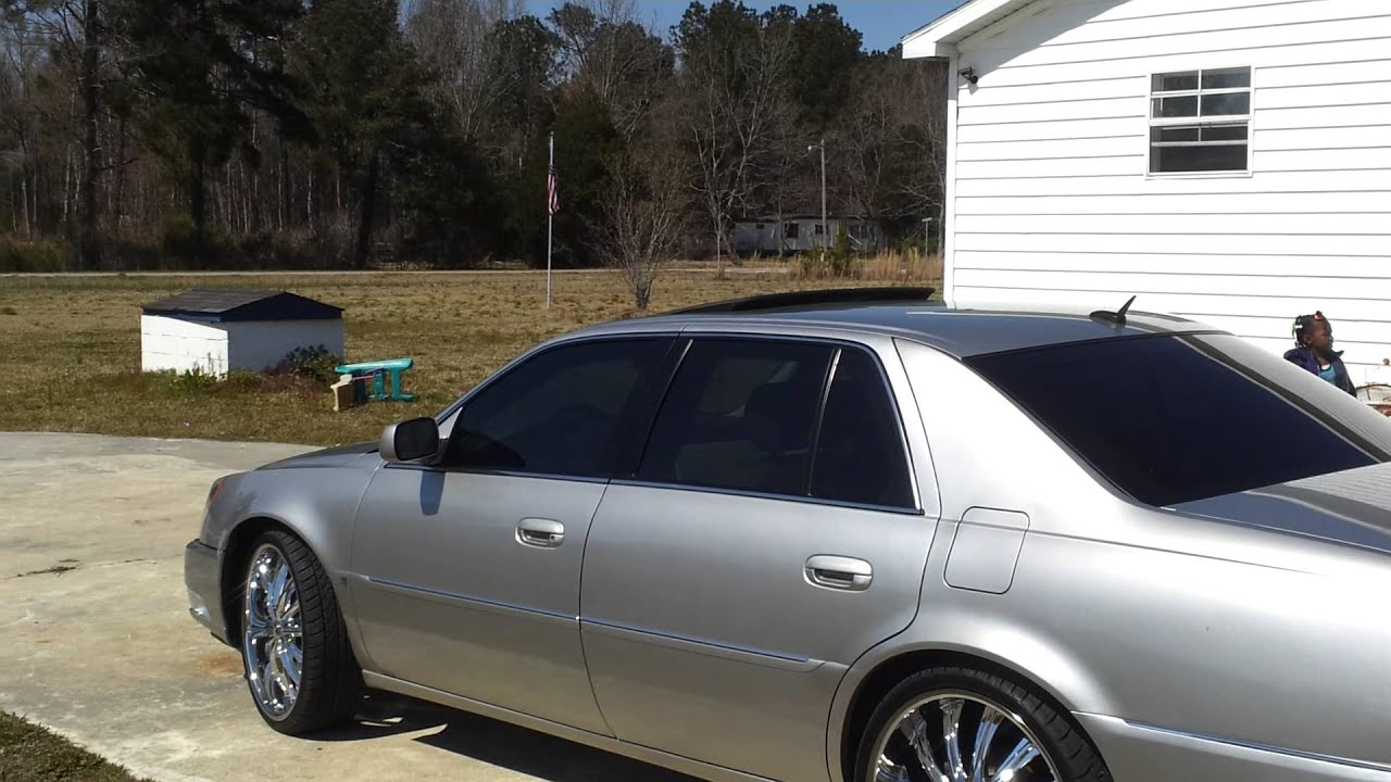 Cadillac dts on 22s - YouTube