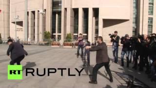 لحظة محاولة اغتيال الصحفي التركي جان دوندار