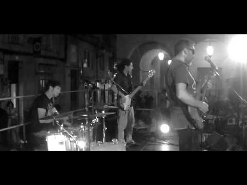"""Coldplay """"Fix You"""" Cover by Chupadeskay - Directo Agadic Ourense - Praza de San Martiño"""