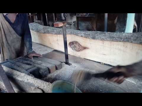 shocking process to cut a big wood/wood cutting processing big to small pieces