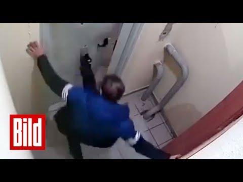 Betrunkener Russe kriegt die Tür nicht auf - Er versucht es drei Stunden lang