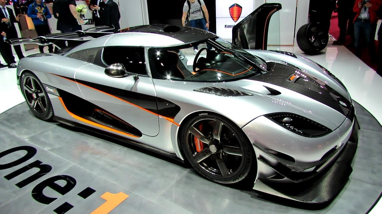 2015 koenigsegg one 1 supercar exterior and interior walkaround debut at 2014 geneva motor. Black Bedroom Furniture Sets. Home Design Ideas