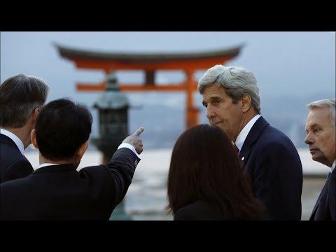 John Kerry Visits Hiroshima Atomic Bomb Memorial