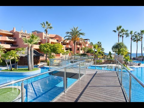 Beachside Penthouse for sale in Mar Azul, Estepona by Riva Property Group
