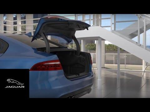 Jaguar XE 2018   Gesture Boot