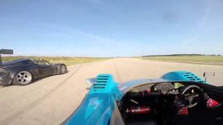 Radical SR3 chasing down a Lotus race car(Description., 2016-02-26T18:49:08.000Z)