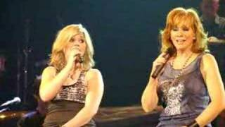 Reba and Kelly singing One Promise Too Late Dayton
