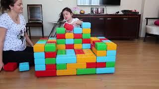 Elif Storybook Legolardan Koltuk Yaptik - Elif Öykü Сделал Стул Веселого Детского Видео