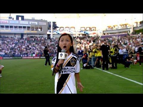 طفلة في السابعة من العمر تتحول إلى نجمة غناء في أمريكا  - نشر قبل 9 دقيقة