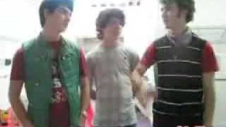 most halarious moments! JONAS BROTHERS