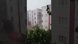 İstanbulda aniden başlayan dolu yağışı! - Son dakika haberi - İstanbulu Sel aldı.!