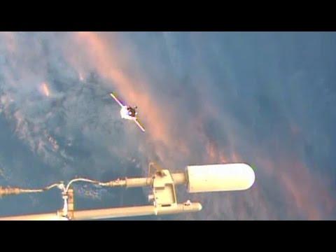 WOW! UFO Sightings Alien Star Crafts Visit Space Station? Nov. 24, 2014 HD VIDEO!!